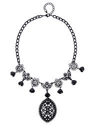 Ожерелье Ожерелья с подвесками Бижутерия Повседневные Мода Сплав Черный 1шт Подарок