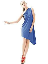 um ombro vestido com decote assimétrico das mulheres joannekitten®