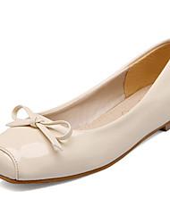 Damen-Flache Schuhe-Kleid / Lässig-Lackleder-Flacher Absatz-Ballerina / Quadratische Zehe-Schwarz / Rot / Beige