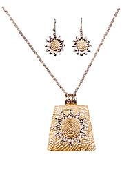 New European And American Gold Refined Gold Exquisite Necklace Earrings Set
