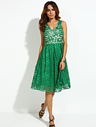 Women's Party Sexy Lace Dress,Solid V Neck Knee-length Sleeveless Red / Black / Green Polyester Summer