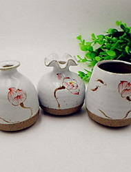 Matt Ceramic Vase Flower Holder Hydroponic Mini Hand-Painted Lotus Flower Decorative Utensils (Random Shape)