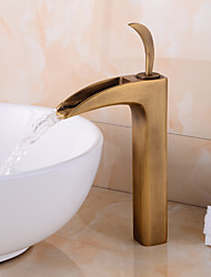 cascata centerset tradizionale con valvola di ceramica singola maniglia un foro per l'ottone antico, lavandino rubinetto del bagno