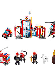 Action Figures & Stuffed Animals / Building Blocks For Gift  Building Blocks Model & Building Toy Car / Helicopter / Truck / Architecture