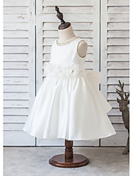 A-line Knee-length Flower Girl Dress - Satin Sleeveless Scoop with Beading / Bow(s) / Crystal Detailing / Flower(s)