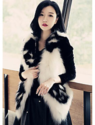 Women's Going out Street chic Fur Coat,Print Long Sleeve Fall / Winter White Faux Fur Medium