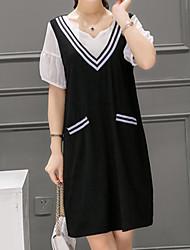 Feminino Reto Vestido,Informal / Casual / Tamanhos Grandes Simples Listrado / feito à mão Decote V Acima do Joelho Manga Curta Preto