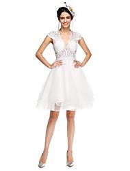 2017 Lanting Bride® A-line Wedding Dress - Chic & Modern Little White Dresses / See-Through Wedding Dresses Knee-length V-neck Tulle with