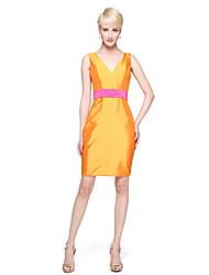 2017 Lanting Bride® Knee-length Taffeta Elegant Bridesmaid Dress - A-line V-neck with Sash / Ribbon Pleats