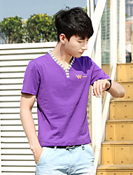 Sommer Männer&# 39; s Kurzarm-T-Shirt Trend der Casual Kurzhülse V-Ansatz dünnen mitfühlende Männer Hemd grundiert Druck der großen