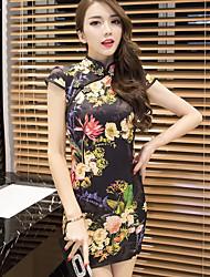 Mujer Corte Bodycon Vaina Pequeño Negro Vestido Fiesta/Cóctel Discoteca Sexy,Floral Escote Chino Sobre la rodilla Manga Corta Negro