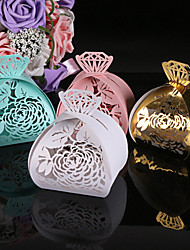 2017 New 50pcs Flower Wedding Box Diamonds Candy Box Gift Paper Chocolates Box Wedding Decoration Party Supplies
