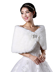 Fur Wraps / Wedding  Wraps Shrugs Sleeveless Faux Fur White / Ruby Wedding / Party/Evening Bateau Button Clasp