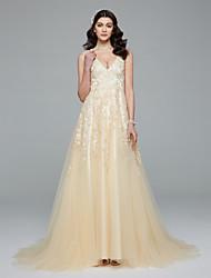 LAN TING BRIDE Trapèze Robe de mariée Tout Simplement Superbe Colorées Traîne Brosse Col en V Dentelle Tulle avec Appliques