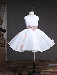 Ball Gown Knee-length Flower Girl Dress - Lace Satin Satin Chiffon Jewel with Flower(s) Sash / Ribbon