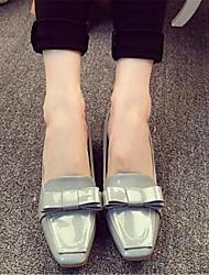Apontou sapatos de solteiros 2016 primavera e verão novo calcanhar plana plana sapatos boca rasa oca diamante quadrado cetim sapatos maré