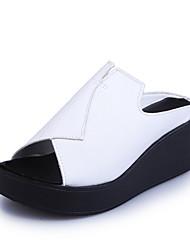 Для женщин Сандалии Удобная обувь Полиуретан Весна Лето Повседневные Для праздника Удобная обувь На танкетке Белый Черный Серый 4,5 - 7 см
