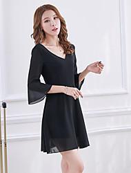 assinar 2017 nova versão feminina da Coréia de mangas moda trompete primavera e verão preto de gola V Hepburn magro pouco vestido preto
