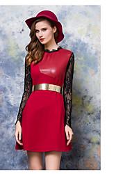 signe 2016 nouveau cuir PU femme robe à manches longues est mince coutures en dentelle mince jupe feuilletée creux de la vague