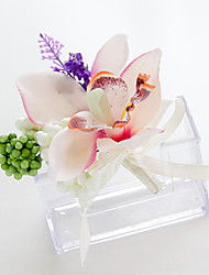 Wedding Flowers Free-form Lilies Lavenders Boutonnieres Wedding Party/ Evening White/Green Satin