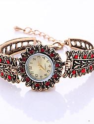 Модные часы Часы-браслет Кварцевый сплав Группа Винтаж С подвесками Cool Повседневная Креатив Золотистый