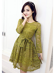 Sign station in Europe put on a large long section of lace long-sleeved dress a word bottoming skirt 2016 spring new women