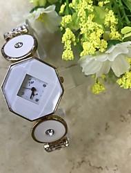 Femme Bracelet de Montre Montre Diamant Simulation Chinois Quartz / Imitation de diamant Alliage Bande Pour tous les jours Or Rose