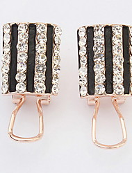 The European and American fashion vertical stripes earrings