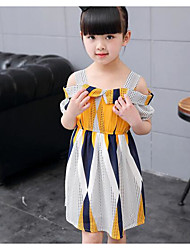 Menina de Vestido Patchwork