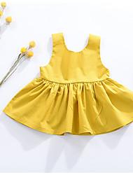 Menina de Vestido Color Block Listrado