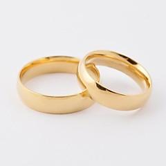 טבעות לזוג פלדת טיטניום ציפוי זהב Round Shape אופנתי מוזהב תכשיטים יומי קזו'אל