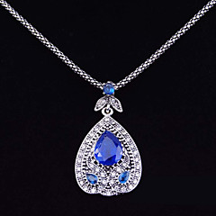 Women's Luxurious Style of Electroplating Alloy Diamond Pendant Necklace