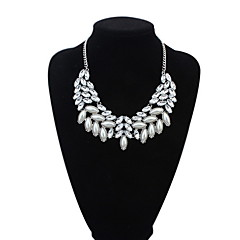 Still High Atmospheric Oval Crystal Pearl Necklace