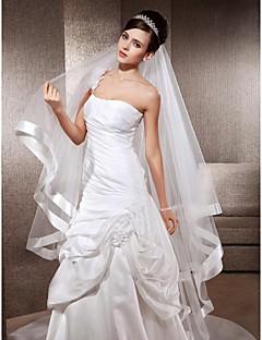 en-tier kapell bryllup slør med bånd edge