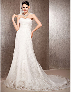 A-line/Princess Plus Sizes Wedding Dress - Ivory Court Train Sweetheart Lace