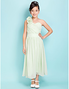 Lanting Bride® באורך הקרסול סאטן שיפון שמלה לשושבינות הצעירות  גזרת A / מעטפת \ עמוד כתפיה אחת / מחשוף לב טבעי עםפרח(ים) / סרט / בד נשפך