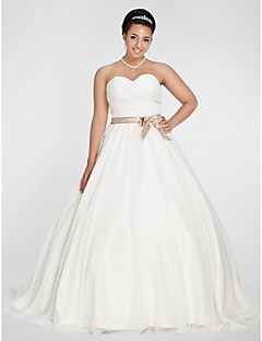 Ball Gown Plus Sizes Wedding Dress - White Chapel Train Sweetheart Chiffon