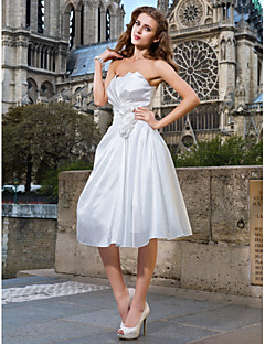 A-line/Princess Plus Sizes Wedding Dress - White Knee-length Strapless Taffeta