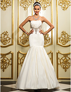 Lanting Bride® Fit & Flare Petite / Plus Sizes Wedding Dress - Classic & Timeless / Elegant & Luxurious Floor-length Strapless Satin with
