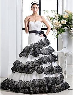 Fit & Flare Plus Sizes Wedding Dress - Ivory Court Train Sweetheart Tulle
