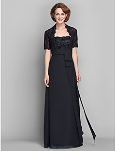 Sheath/Column Plus Sizes / Petite Mother of the Bride Dress - Black Floor-length Short Sleeve Chiffon / Lace
