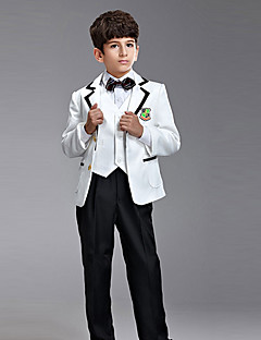 Seven Pieces Ring Bearer Suit Tuxedo med to Bow Ties (flere farver)
