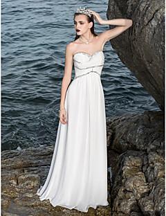 Sheath / Column Petite / Plus Sizes Wedding Dress - Classic & Timeless / Chic & Modern Sparkle & Shine Floor-length Sweetheart Chiffon