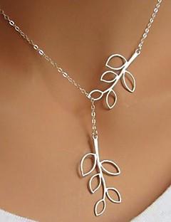 Femme Pendentif de collier Forme de Feuille Plaqué argent Alliage Simple Style Mode bijoux de fantaisie Ajustable Long Bijoux Pour