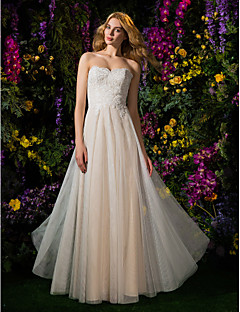 Lan Ting A-line Wedding Dress Floor-length Strapless Lace / Tulle