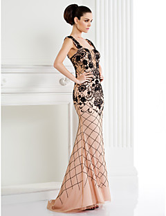 hjemkomst ts couture formell kjole - trompet / havfrue stropper feie / børste tog tyll / jersey