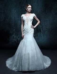 Trumpet/Mermaid Court Train Wedding Dress - Scoop Lace