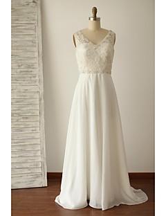 A-라인 웨딩 드레스 스윕 / 브러쉬 트레인 V-넥 쉬폰 / 레이스 와 아플리케 / 비즈 / 버튼