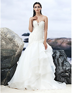 Lanting Bride® A-line Wedding Dress Court Train Sweetheart Lace / Organza with
