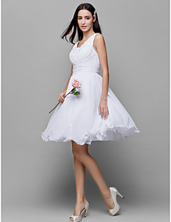Knee-length Chiffon Bridesmaid Dress - White A-line Scoop